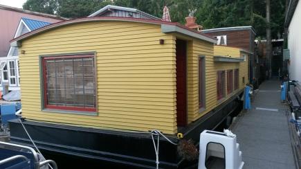 Adding level to houseboat